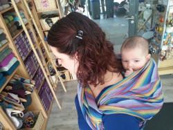 Apprendre à porter son bébé en écharpe   côté et dos à Nancy   Les ... 169e7665199